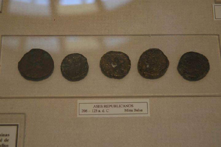 [La_Union_Museo_Arq_Portman]_Muestra_de_monedas_romanas_de_la_epoca_de_la_Republica