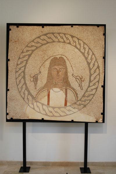 [La_Union_Museo_Arq_Portman]_Otro_de_los_elementos_decorativos_del_mosaico_del_Museo