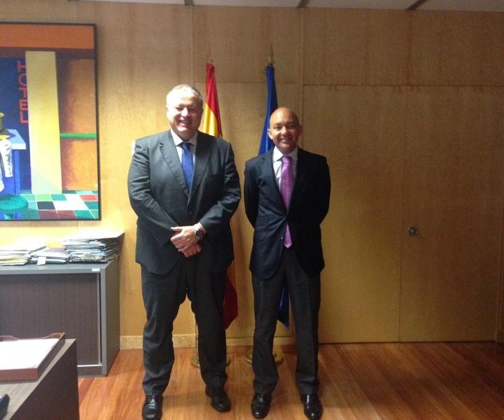 1.Secretario de Estado de Comercio.Madrid