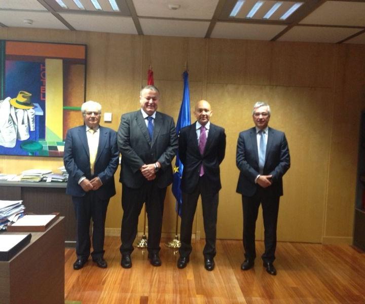 2.Secretario de Estado de Comercio.Madrid