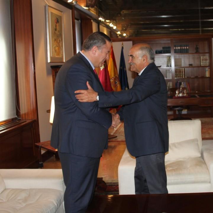 El presidente Garre recibe al Alcalde de La Unión 01jpg