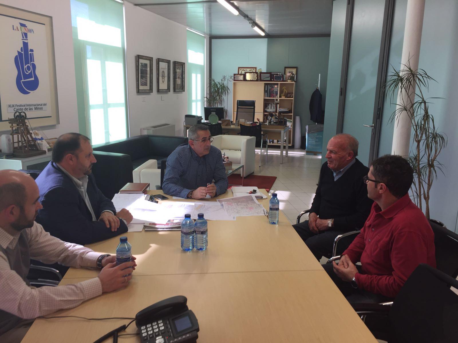 El Alcalde muestra a la Comunidad de Regantes el ansiado proyecto de ...